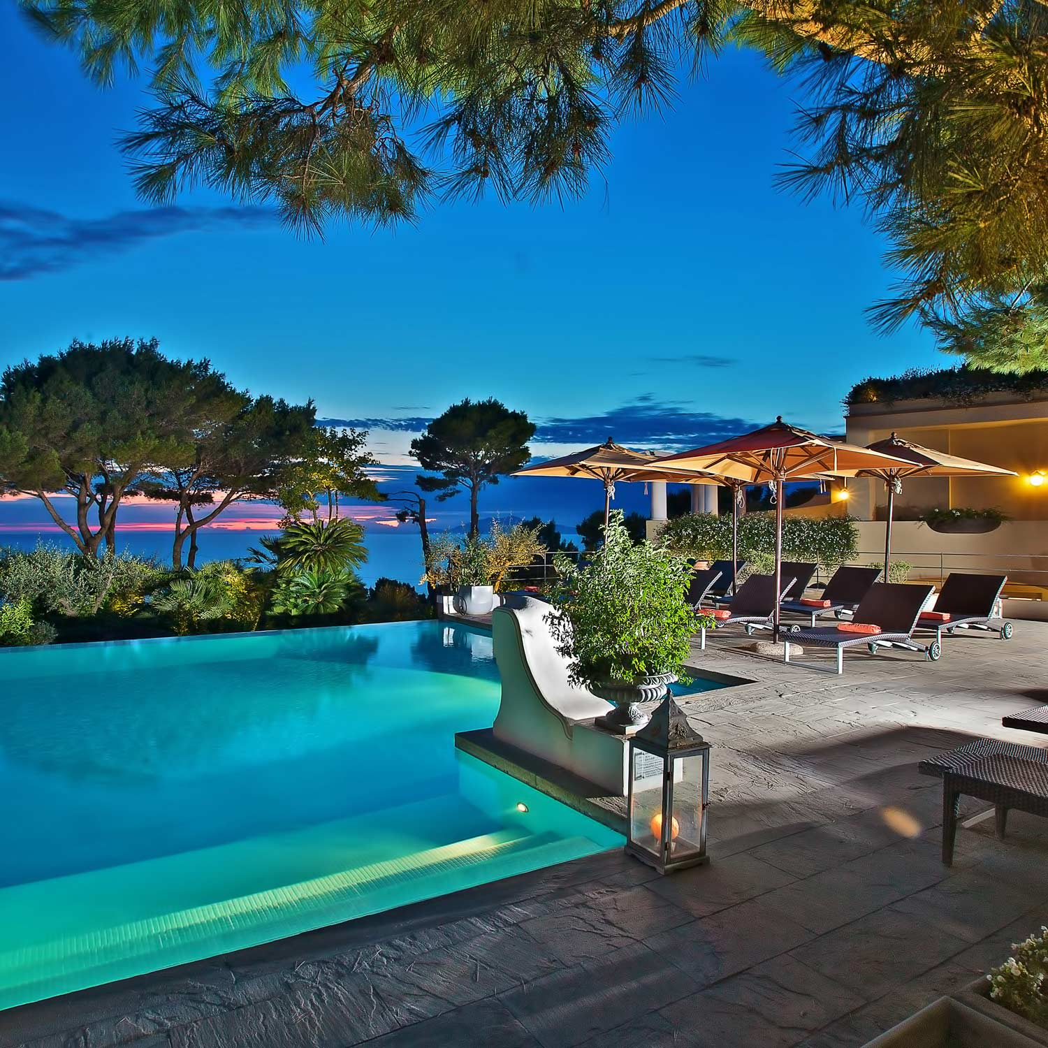 10 Hotels Ll Recognise: Hotel On Capri, Italy, With Pool And Sea View